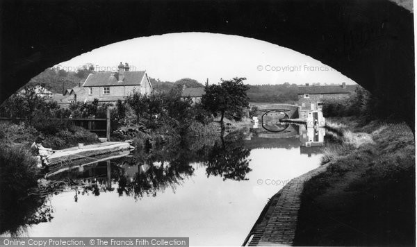 Photo of Hopwas, the Canal from Dixons Bridge c1965