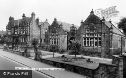 Horbury, Library And Town Hall c.1960
