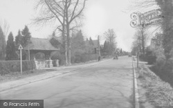 Horley, Church Lychgate And Brighton Road 1929