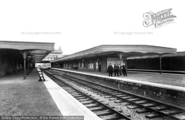 Horley, Railway Station 1906