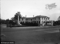 Horley, The Thorns Hotel 1933
