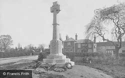 Horley, War Memorial 1922