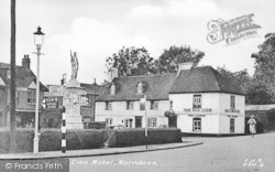 The Red Lion Hotel c.1955, Horndean