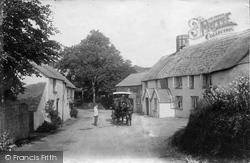 Hoops Inn 1906, Horns Cross