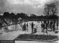 Horsham, Park, Swimming Pool 1934