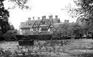 Horsham, the Gardens, Roffey Park Rehabilitation Centre c1955