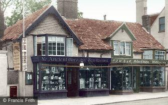Horsham, Ye Olde Houses, London Road 1924