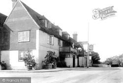 The Gun Hotel  1903, Horsmonden