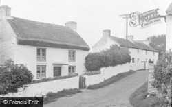 Horton, Old Cottages 1951