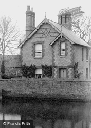 A House By The Great Ouse 1898, Houghton