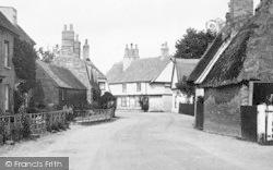 The Village 1914, Houghton