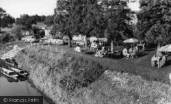 Houghton, Vinsons Riverside Tea Gardens c.1960