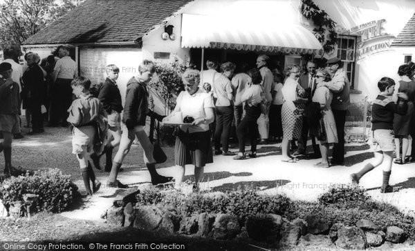 Photo of Houghton, Vinsons Shop c.1960