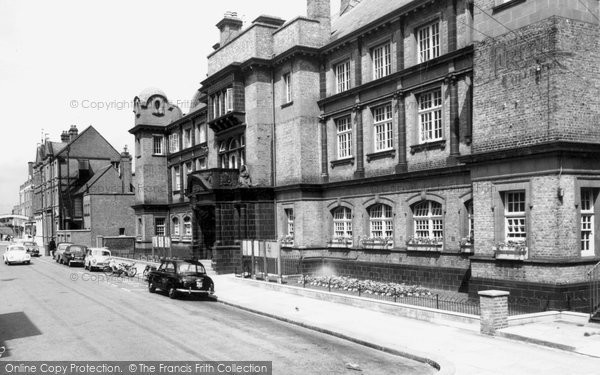 Photo of Hounslow, Town Hall c1965