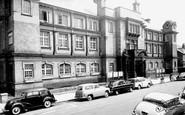 Hounslow, Town Hall c1965