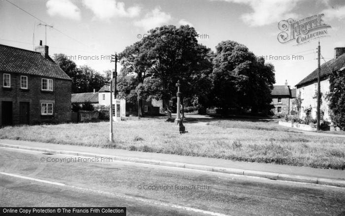 Photo of Hovingham, The Market Place c.1960