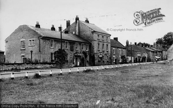 Photo of Hovingham, The Worsley Arms Hotel c.1960