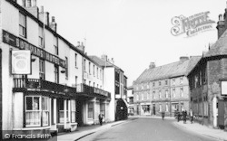 Bownan's Hotel And Bridgegate c.1965, Howden