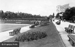 Huddersfield, Tennis Courts, Greenhead Park c.1955