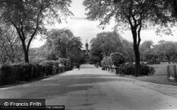 Huddersfield, The Main Drive, Greenhead Park c.1960