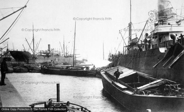 Hull, Alexandra Dock 1903