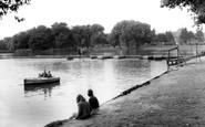 Hull, East Park Boating Lake c1965