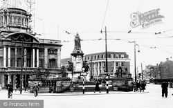 Hull, Queen Victoria Square c.1955, Kingston Upon Hull