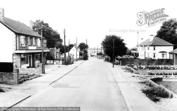 Hullbridge, Ferry Road c1965.  (Neg. H179116)  © Copyright The Francis Frith Collection 2005. http://www.francisfrith.com