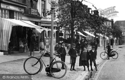 Hungerford, Boys In The High Street 1903