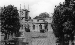 Hungerford, The Parish Church c.1965