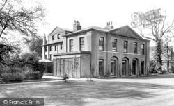 Huntingdon, Cromwell House 1898