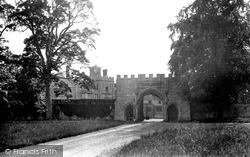 Huntingdon, Hinchingbrooke House 1929