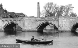Huntingdon, Rowing By The Old Bridge 1898