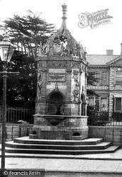 Huntingdon, The Fountain 1906