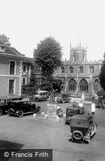 Huntingdon, the War Memorial 1929