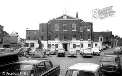 Huntingdon, Town Hall And Market Hill c.1965