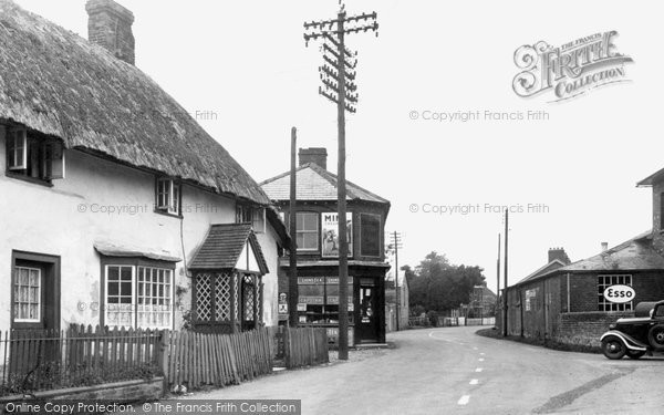 Photo of Hurstbourne Tarrant, Village c1955