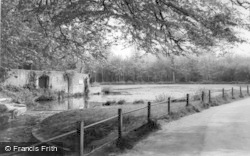 Hurstpierpoint, Danny House Lake c.1960