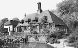 Hurstpierpoint, Stables Cottage c.1960