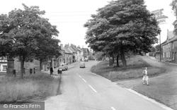Hutton Rudby, The Avenue c.1965