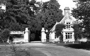 Hythe, Entrance to West Cliff Hall Hotel c1955