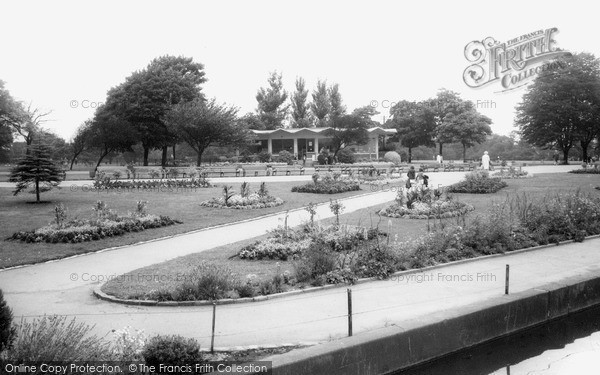 Photo of Ilford, Cranbrook Park c.1965