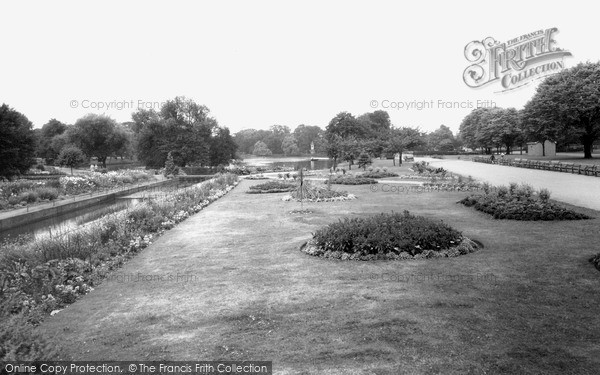 Photo of Ilford, Cranbrook Park c.1965