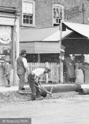 Ilford, High Road, Laying Pipes 1893