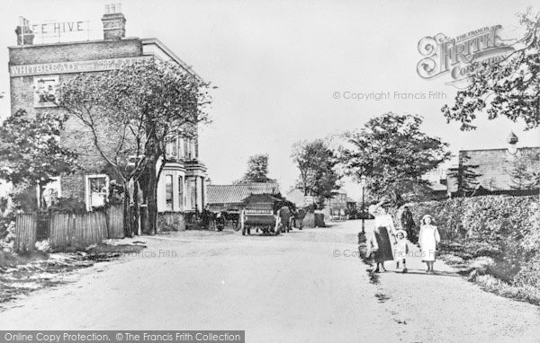 Photo of Ilford, The Beehive, Beehive Lane c.1905