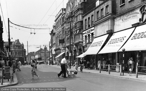 Photo of Ilford, The High Road 1948