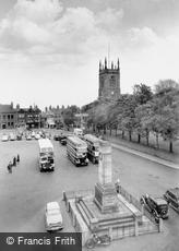 Ilkeston, St Mary's Church and War Memorial c1950