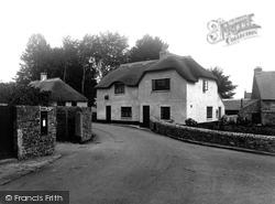 The Village 1940, Ilsington
