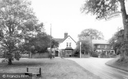 Ingatestone, The Woolpack And Green c.1965