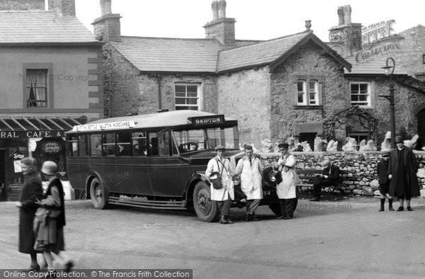Ingleton, Bus In The Square 1929